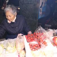 新竹市美食 攤販 水果 新竹水果阿嬤 照片