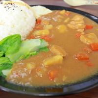 吃。高雄|左營區|眷村美食。北方麵食,特殊餃子皮的口感「東北餃子館」。