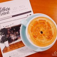 許小巧在芽異精品咖啡 YAKI Specialty Coffee pic_id=5173694
