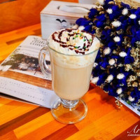 許小巧在芽異精品咖啡 YAKI Specialty Coffee pic_id=5173695