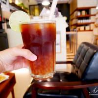 許小巧在芽異精品咖啡 YAKI Specialty Coffee pic_id=5173702
