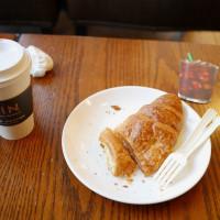 【美食】台中南區。星巴克大里中興店 @ STARBUCKS COFFEE 統一星巴克(大里門市)。美好的午茶時光。早午餐。下午茶。咖啡。甜點。可頌。星冰樂。