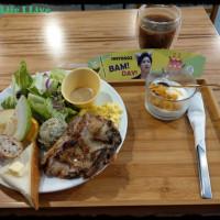 {食記}{高雄}{鹽埕}噗咖啡Pu Cafe~來份悠閒的早午餐