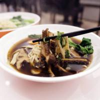 台中沙鹿│晴記蘭州手工拉麵-來自遼寧美食,現場手工製作拉麵,推清燉牛肉麵跟口水雞 - 藍色起士的美食主義