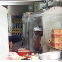 阿源米糕 | 東區15元肉粽在這裡~開賣前一小時排隊破百人,扯翻天!! - 吃關關