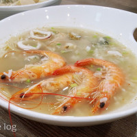 Food|台南中西區|上豐富海產粥-有飽滿蟹黃旭蟹、生食級干貝、超大鮮蚵的浮誇系海產粥