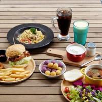 【台中南區】創意廚房興大店|吃喝玩樂一次滿足!還有沙坑、遊戲區的人氣早午餐!