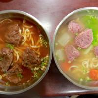 台南市美食 餐廳 中式料理 蠻牛牛肉麵 照片