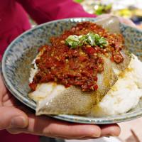 強勢挑戰北車美食清單!創意中菜「飯BAR Lili」全新插旗微風北車,要用「童年家常菜」打造出最「潮」中式料理。