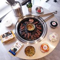 燒肉控先尖叫!訪韓必吃「新村站著吃烤肉」插旗信義區,試營運再加碼「燒酒免費請你喝」。