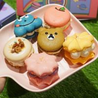 甜點控絕對要拍!韓式造型馬卡龍「Melting Finger舔舔手」快閃統一時代百貨,超萌「小熊馬卡龍」先拍再說。