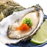 壽司控吃到嗨翻!「Hi Sushi海壽司」強勢插旗新光三越南西,限量「法國生蠔、牡蠣軍艦壽司」讓壽司控瘋了。