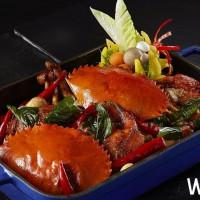 秋蟹吃到飽正式開吃!國泰萬怡MJ Kitchen自助吃到飽餐廳推出全新「秋令海鮮祭」,周末限定塔香沙茶三杯蟹一定不能錯過。