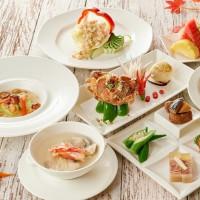 懂吃的海鮮控準備好了!台北福華推出秋季必吃料理「蝦兵蟹將套餐料理」,要用最頂級的蝦、蟹食材打造出老饕不能錯過的秋季海鮮料理。