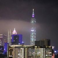 挑戰最高元宵主燈秀!台北101推出「兩分半限定」虛實互動燈光大秀,錯過了只能再等明年了。