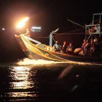 全球僅有的「蹦火仔船」竟然在新北市!「金山沙灘蹦火音樂季」明日展開,全世界最後四艘蹦火船即將岸邊演出,現場光影絢爛絕對讓你超震撼。