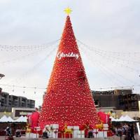 桃園人必逛!華泰名品城打造全新「聖誕市集」,超過25間人氣攤位搶攻聖誕節最夯話題。