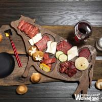 大口吃肉、優雅喝酒!樂軒和牛專門店迎春限定優惠「二人同行佐酒一人免費」。