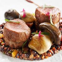 懂吃的老饕才會知道!亞都麗緻要給老饕們全新「聖誕跨年」美食盛宴,用頂級海陸料理打造出不平凡的一餐。