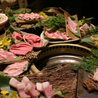 不能再錯過了!老乾杯不只有超頂級的和牛,還有獨創美味新吃法的「西班牙伊比利豬Bellota」,食材再升級就是要挑戰老饕的嘴。