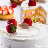 草莓控一定要知道「晶華酒店」推出了黃金比例草莓海綿蛋糕!單片120元拉近與你的距離。