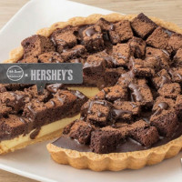 堪稱史上最強聯名「全聯HERSHEY'S巧克力」強勢回歸!17款全聯HERSHEY'S巧克力聯名甜點正式開搶,巧克力控一定要手刀掃貨。