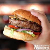 看到「買一送一」先衝!TGI FRIDAYS推出「漢堡、豬肋排買一送一」優惠,期間限定只有三天。