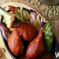 板橋人搶先開吃!50樓Cafe吃到飽,推出「風采夏威夷」美食節,旋轉烤雞腿真的不能錯過。