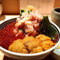 海鮮控絕對要搶第一!堪稱日本最強「日本橋海鮮丼」6/23插旗信義區,「日本四強」聯手打造超豪華海鮮丼必吃。