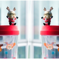 最萌愛心公仔!肯德基推出限量Q版「聖誕老杯杯」,要用暖心小物拉你一起做愛心,首推可愛造型公益水杯「肯德基聖誕老杯杯」。
