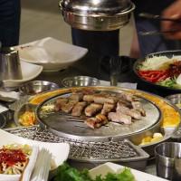 最強「王者五花」限期推出399吃到飽!挑戰地表最強韓式燒肉饗宴,新麻蒲海鷗再推四人同行一人免費。