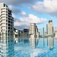 宜蘭人都想住一晚!雲朗觀光插旗蘭陽平原 「兆品酒店 礁溪」首推積木房,再加碼必拍露天無邊際泳池IG照。