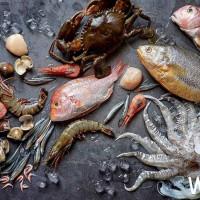 海鮮控一定會失控!台北美福推出消暑「海鮮市場祭」,生猛海鮮「南洋風味海鮮桶」、香港限定「橋底炒辣活沙公」,再加碼海尼根啤酒免費暢飲。