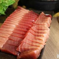 黑鮪魚生魚片吃到飽不用500元!海霸王集團於美食展推出眾多優惠,讓消費者吃飽住好還優惠一把抓!