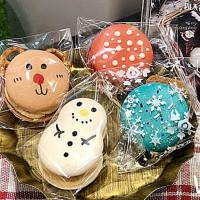 甜點少女心強勢快閃!IG甜點名店NTS x Dessert快閃誠品生活新板店,推出期間限定「新板限定聖誕版馬卡龍」。