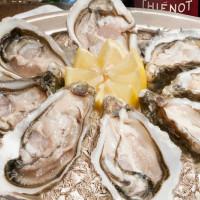 不能錯過的週未限定!台北西華飯店8/4起推出週未限定「法國頂級生蠔、爐烤肥嫩肋眼牛吃到飽」活動。