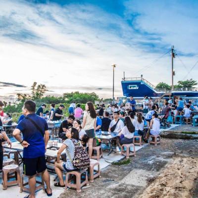 [小琉球美食]小琉球金獅子號/小琉球最美景觀餐廳,海景第一排夕陽超無敵! - 大手牽小手。玩樂趣