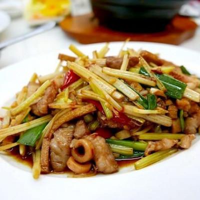 台東關山美食【聚福小炒】不顯眼的小店面,很容易就路過跳過!道道經典家常菜,會讓人回味再三的好滋味!