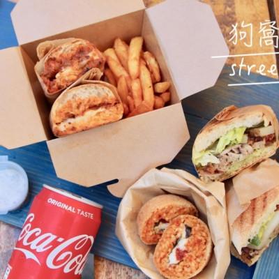金門美食推薦 狗窩餐車 義式街頭小吃 帕尼尼三明治 在地人才找得到的秘密基地 打卡餐車超chill - 皮老闆的美食地圖