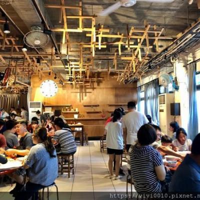 台東.台東市-榕樹下米苔目,這次總算吃到你了,海濱公園看綠島,天藍海藍真的超美的,還有超值台東旅人民宿,有安心國旅補助喔