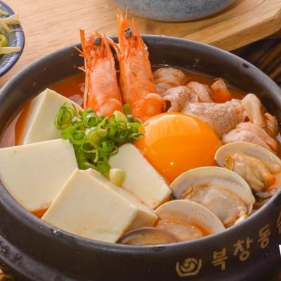 屏東人搶先吃!韓國定食專門店「韓姜熙的小廚房」插旗屏東,開幕祭出霜淇淋免費吃、99元定食優惠活動。