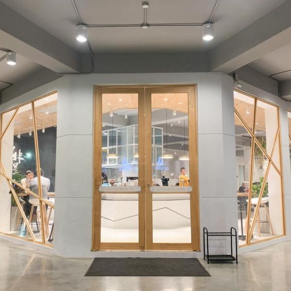 高雄市 餐飲 茶館 Coffee Wake Up 咖啡覺醒 中山店