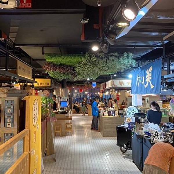 台中市 購物 百貨商場 金典綠園道商場
