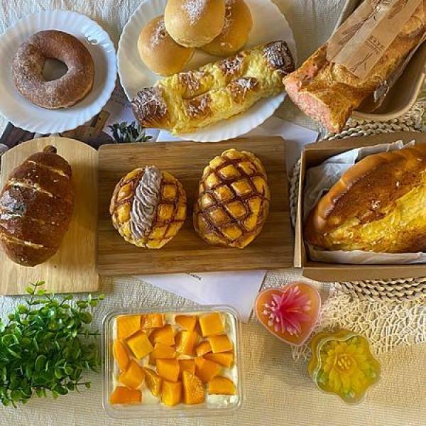 新北市 餐飲 糕點麵包 1+1元氣麥方麵包店