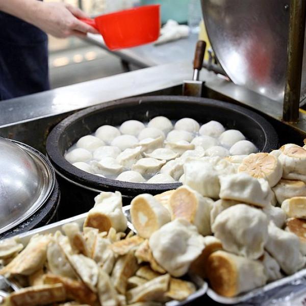 台北市 餐飲 夜市攤販小吃 老兄水煎包