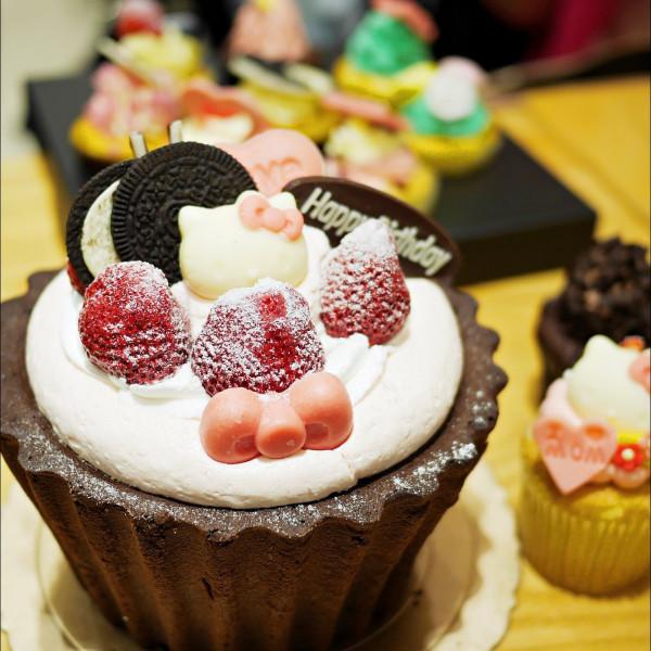 台中市 美食 餐廳 烘焙 蛋糕西點 克勞蒂杯子蛋糕CLOUDY CUPCAKE(台中大遠百)