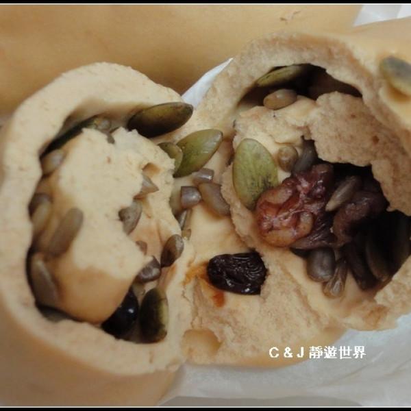 新北市 美食 攤販 包類、餃類、餅類 簡實新村老麵饅頭