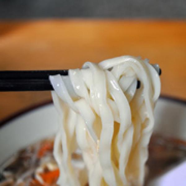 台中市 美食 餐廳 中式料理 麵食點心 有麵子麵食館:光顧三次都點酸辣麵