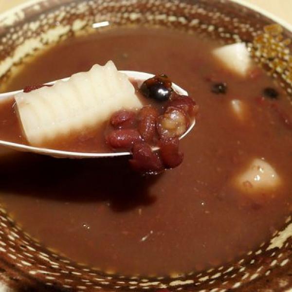 新北市 美食 餐廳 飲料、甜品 甜品甜湯 鮮芋仙(徐匯廣場店)
