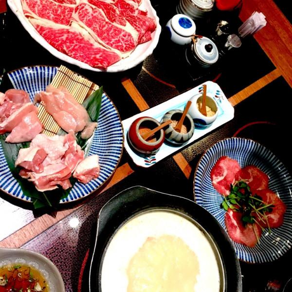 台北市 美食 餐廳 火鍋 涮涮鍋 乾杯黑毛屋 (南港中信店)